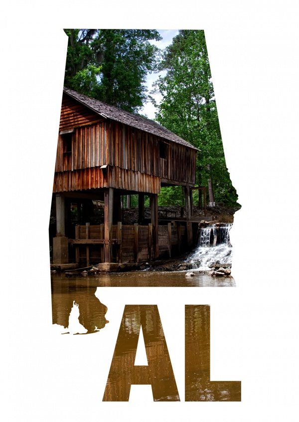 photo cabin in the woods of Alabama