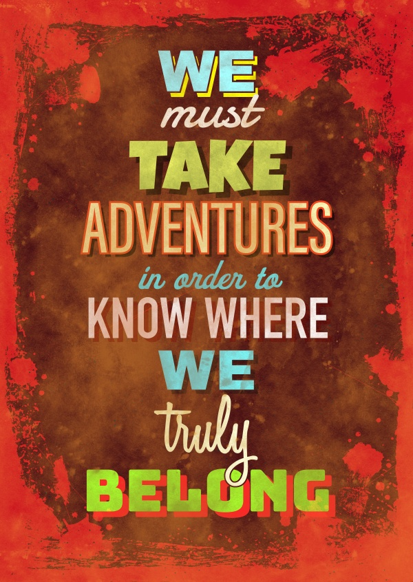 Vintage Spruch Postkarte: We must take adventures in order to know where we truly belong