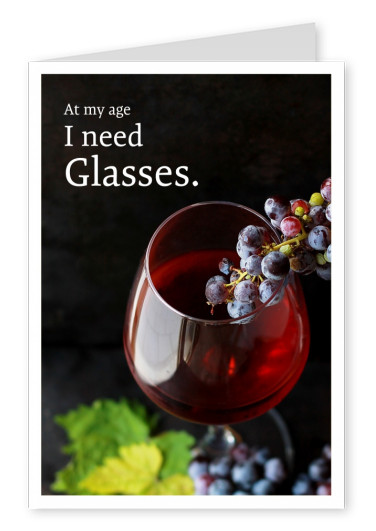 photo glass of red wine and grapes