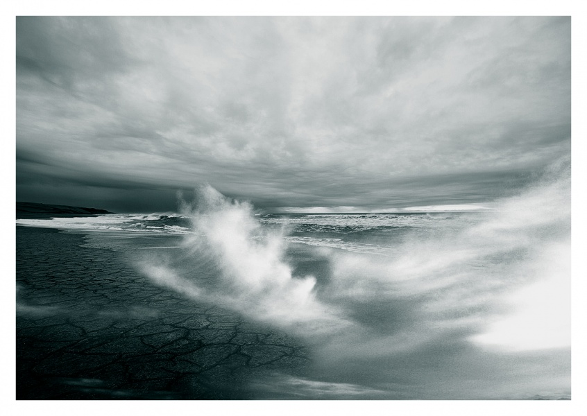 strong motion of the sea