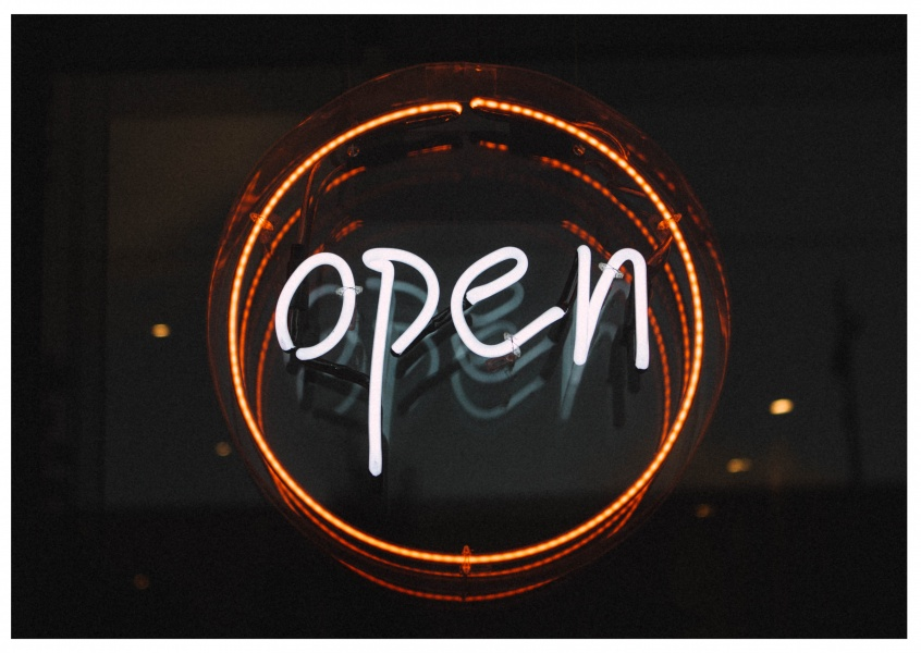 photo neon sign open