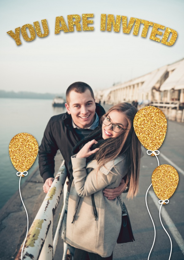 personalizable invitations with golden balloons