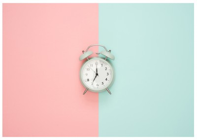 photo alarm clock with pastel coloured background