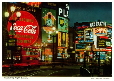 John Hinde photo d'Archive de Piccadilly Circus