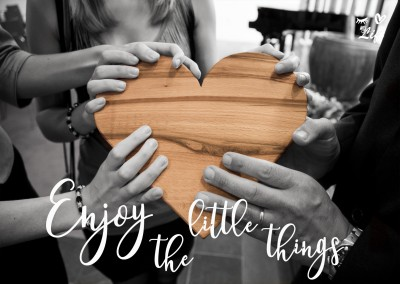 Eye-love enjoy the little things photo wooden heart