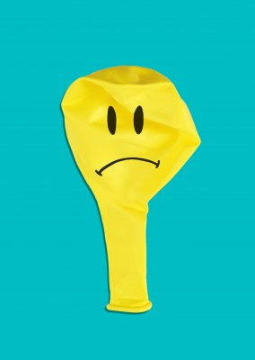 Kubistika yellow balloon with smiley face