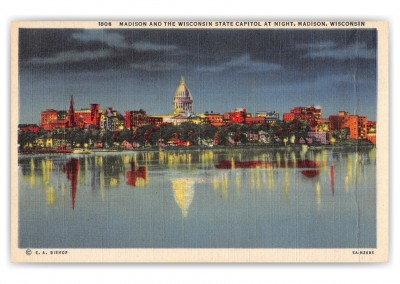 Madison, Wisconsin, State Capitol at night