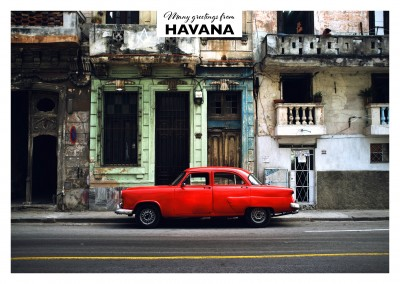 Red Oldtimer in Havana