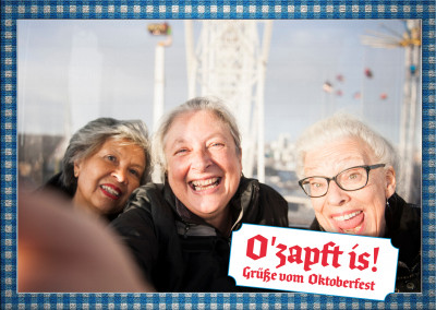 Customizable Oktoberfest postcard O Zapft is
