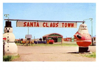 Curt Teich Ansichtkaart Archieven Collectie Entrance_to_Santa_Claus_Town_The_story_book_train