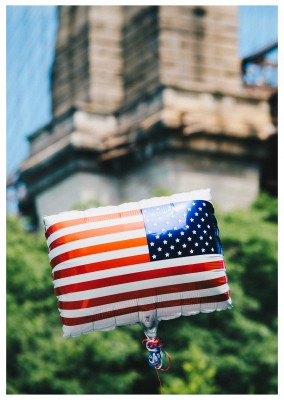 photo US flag balloon