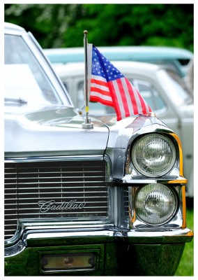 photo US cadillac with flag