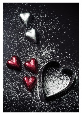 photo powder sugar heart shape cookie